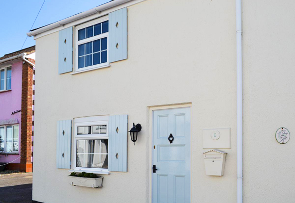 Self-catering holiday cottage in Milford-on-sea